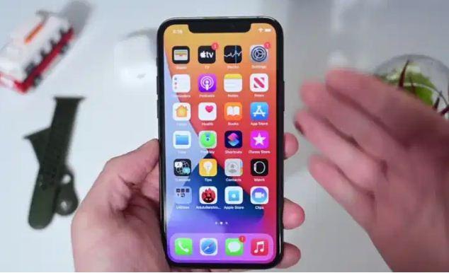 كيفية تحديث هاتفي iPhone لاصدار أحدث من Apple